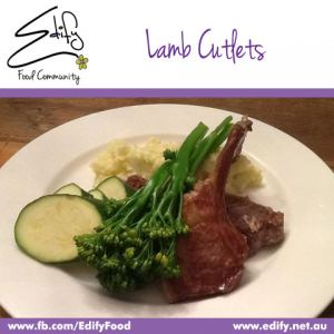 Lamb Cutlets with Cauliflower Mash (see Recipes), Steamed Zucchini and Broccoli
